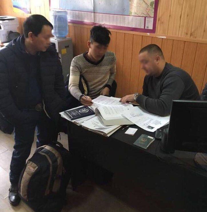 ВОдессе задержали группу мигрантов, которые думали, что они воФранции