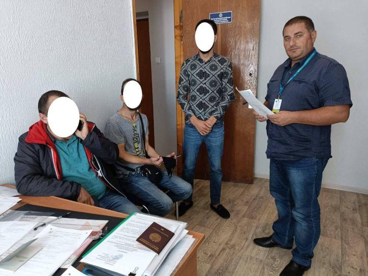 Громадяни України та іноземці відповідають за правопорушення нарівні